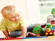 mẹo chọn đồ chơi cho trẻ lớn đã đi học